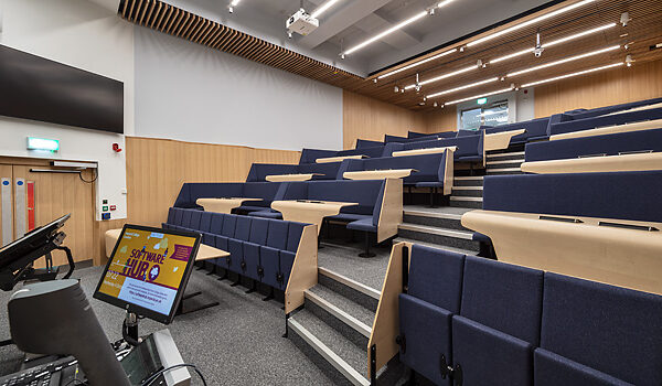 BLKT113 Raked Lecture Theatre